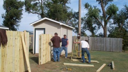 fencebuilding_theguys_01_compressed