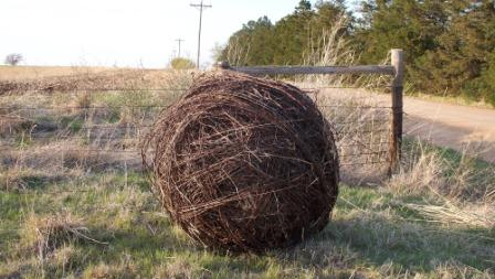 barbed_wire_ball_06_compressed