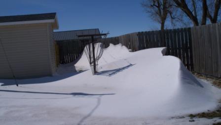 clothesline_snowdrift_compressed1
