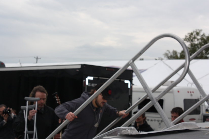 EricChurch_ GoingOnstage_02